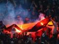 Фанаты Зенита на матче с Боруссией вспомнили про Севастополь и спалили флаг Германии