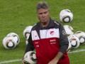 Источник: Федерация футбола Турции приняла решение уволить Хиддинка