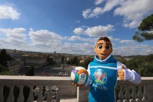 В Сеть слили возможный дизайн официального мяча Евро-2020