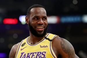 Леброн Джеймс - третий игрок в истории, набравший 34000 очков в НБА