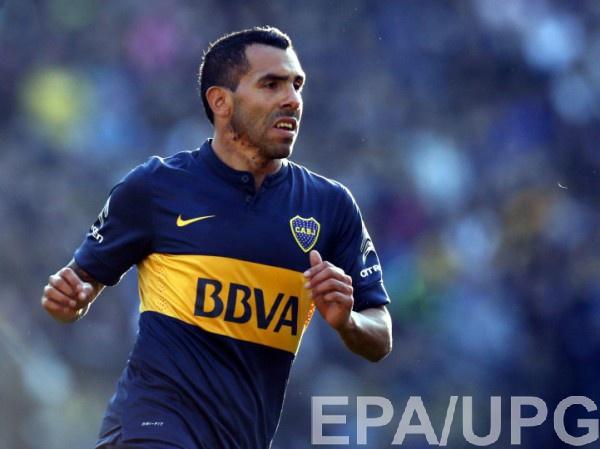 Карлос Тевес травмировал вратаря