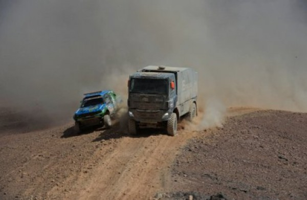 На Дакаре сменился лидер в классе грузовиков