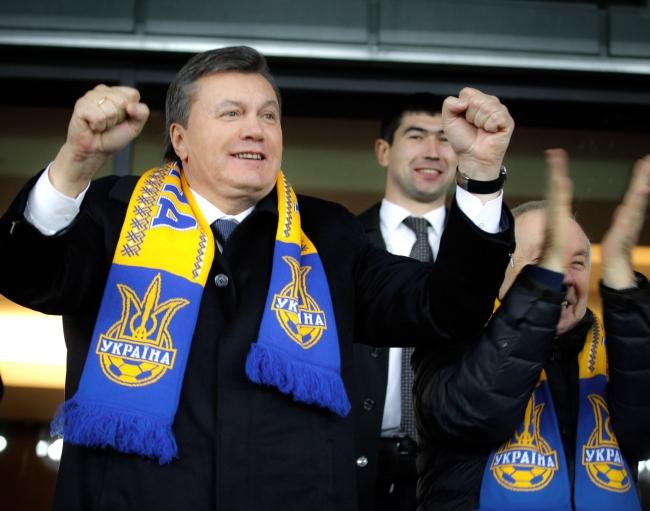 Виктор Янукович на матче Украина - Франция