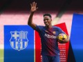 Игроки Барселоны проходят медосмотр в Эвертоне