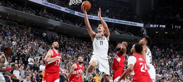 Плей-офф НБА: Торонто повел в серии с Милуоки, оказавшись в шаге от финала