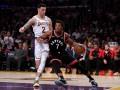 НБА: Торонто разгромили Лейкерс, Сакраменто уступили Милуоки
