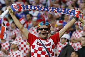 Стрикер, петарды и четыре гола. Хорватия разбирается с Ирландией