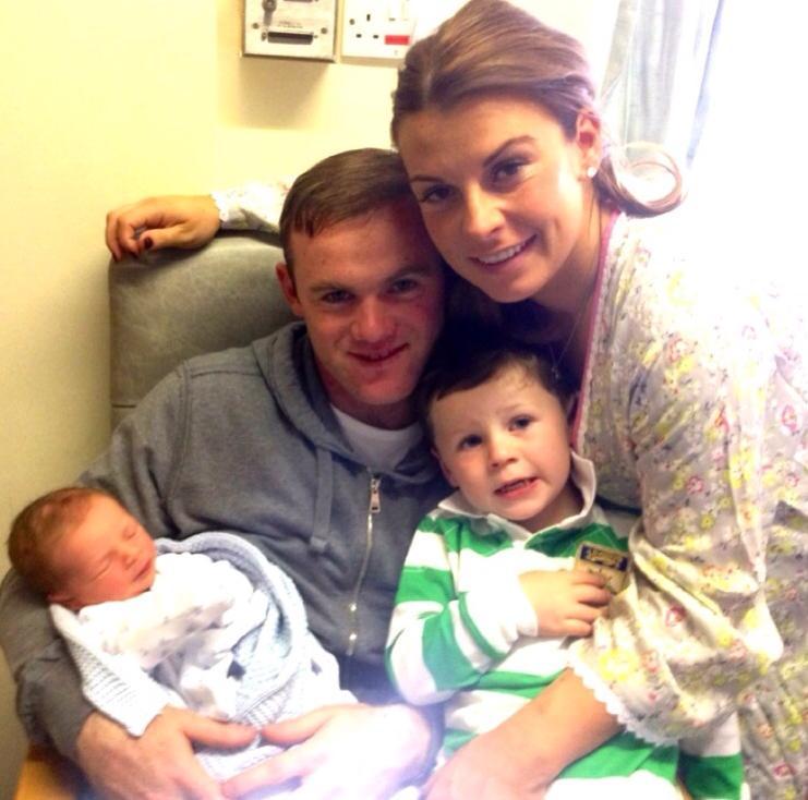 Семья Уэйна Руни: Жена Колин, старшый сын Каи и маленький Клэй