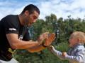 На свежем воздухе. Открытая тренировка Мануэля Чарра и Виталия Кличко в Москве