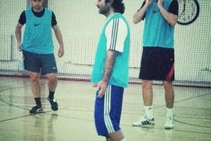 Адлейба играет в футбол с Милевским