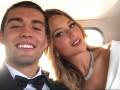 Игрок Реала и его сексуальная жена на палубе яхты показали навыки игры головой