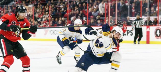 НХЛ: Оттава в результативном матче обыграла Баффало, Коламбус уступил иладельфии