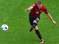 Основной защитник Турции может пропустить матч с Украиной