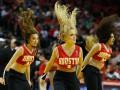 Фотогалерея: Спортивные кадры недели: Зажигательные девушки и опасный футбол