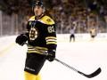 Хоккеист Бостона дисквалифицирован за удар соперника между ног