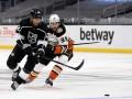 НХЛ: Лос-Анджелес разобрался с Анахаймом, Коламбус уступил Флориде