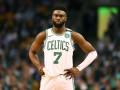 Блок-шот и результативная атака Брауна – среди лучших моментов дня в НБА