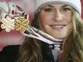 Чемпионка мира по горным лыжам получила травму, открывая шампанское