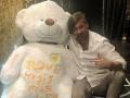 Милевский подарил сестре огромного медведя