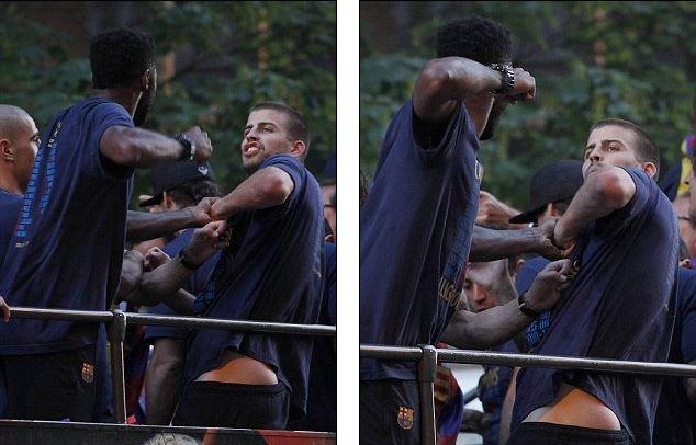 Горячие футболисты Барселоны что-то не поделили на крыше автобуса