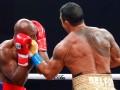 Холифилд проиграл нокаутом первый бой после возвращения в ринг