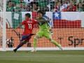 Копа Америка: Аргентина прошла в полуфинал, Чили уничтожает Мексику