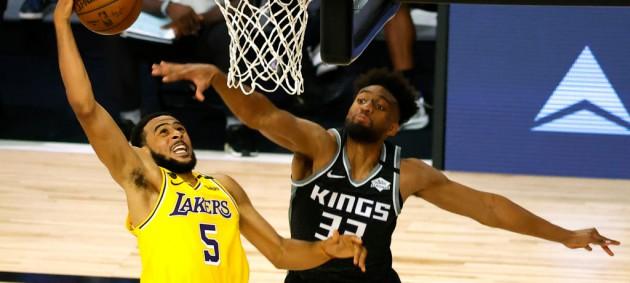 НБА: Сакраменто с Ленем обыграл Лейкерс, Бостон уступил Вашингтону