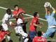 Клаудио Браво первый на мяче