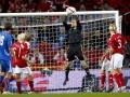 Манчестер Юнайтед подпишет аналог Шмейхеля