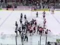 Разборки по-взрослому: Хоккеисты юниорской лиги устроили массовую драку