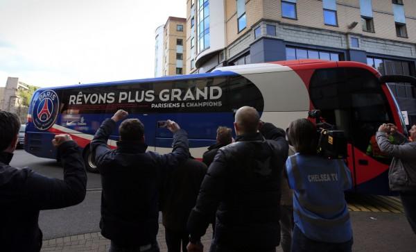 Фанаты «Марселя», решив штурмовать «ПСЖ», перепутали автобус
