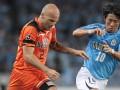 Японский клуб расторг контракт с известным шведским полузащитником