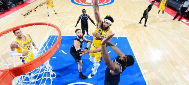 НБА: Детройт разобрался с Лейкерс, Майами уступил Милуоки