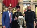 Экс-игрока сборной Украины смутило фото кубка ЛЧ в церкви