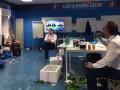 Министр спорта РФ выпил пиво в раздевалке сборной