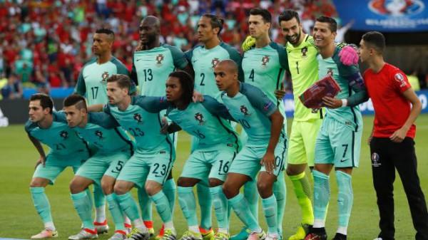 Мальчишка и сборная Португалии