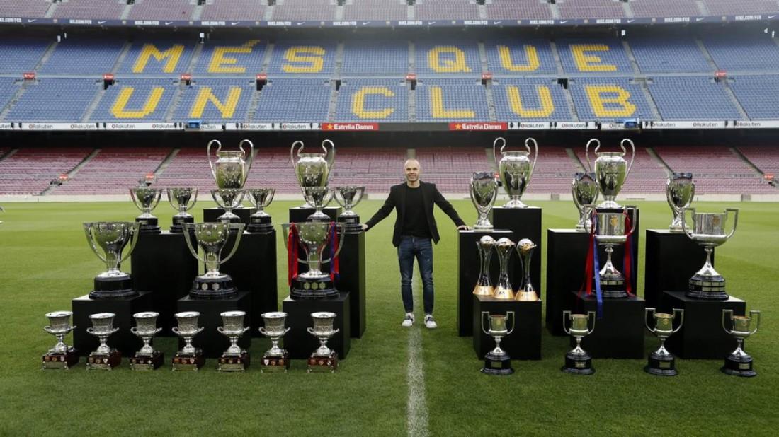 Андрес Иньеста и 32 завоеванных трофея в Барселоне