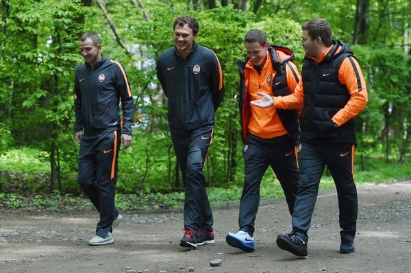 Шахтер перед матчем с Динамо погулял в парке