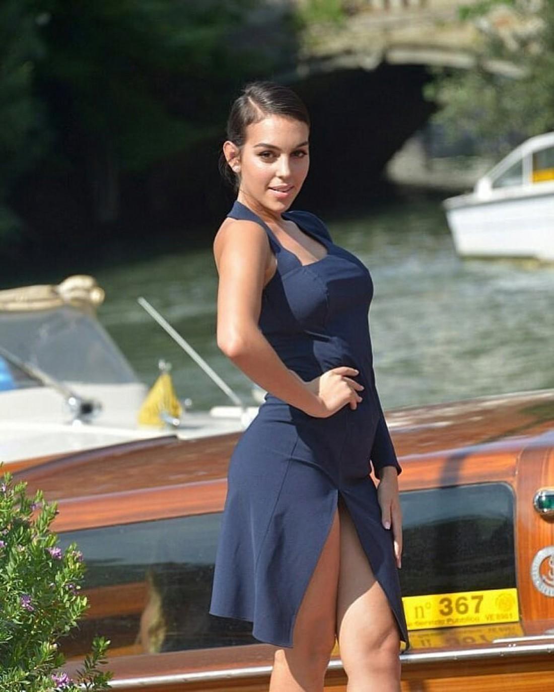 Джорджина Родригес поселила открытие Венецианского кинофестиваля