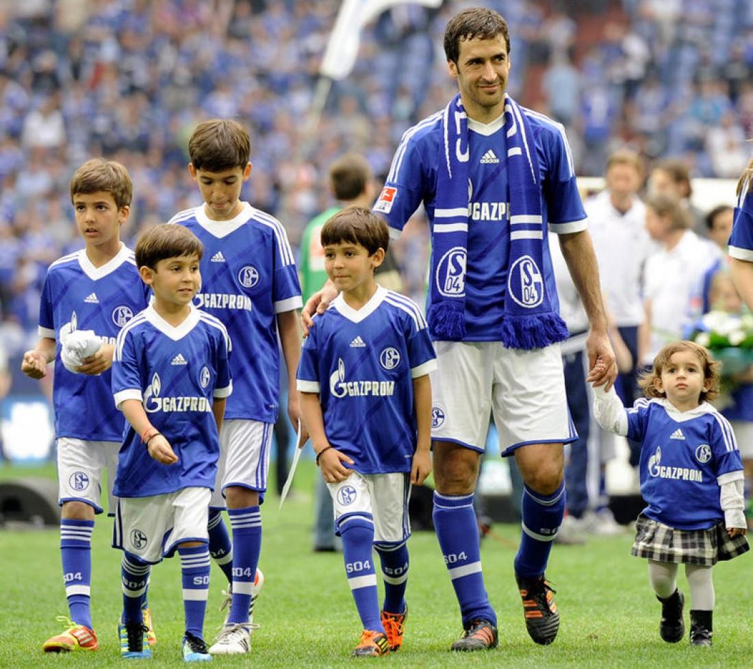 Рауль вместе со своими детьми