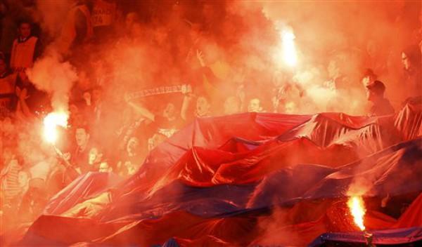 Фанаты Базеля устроили яркое шоу на матче с Челси