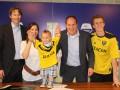 Голландский клуб заключил контракт с полуторагодовалым ребенком