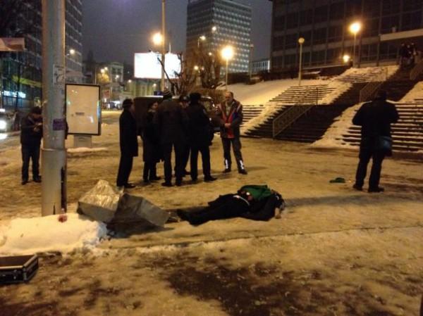 После футбола под Олимпийским умер австрийский болельщик