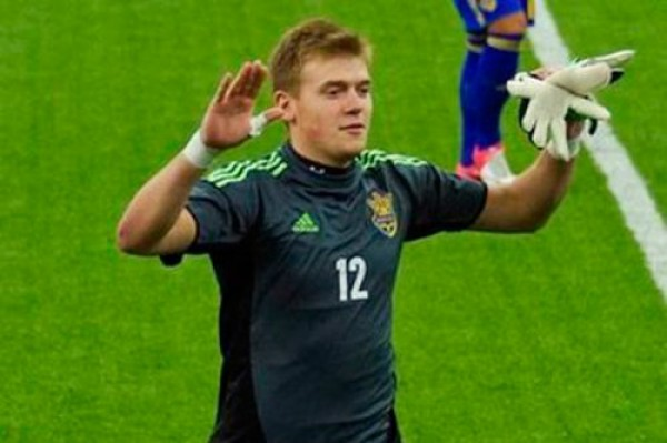 Сарнавский начал карьеру в Динамо, а теперь защищает Шахтер