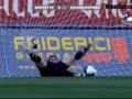 Привет из ниоткуда. Футболист забивает гол с 70-ти метров
