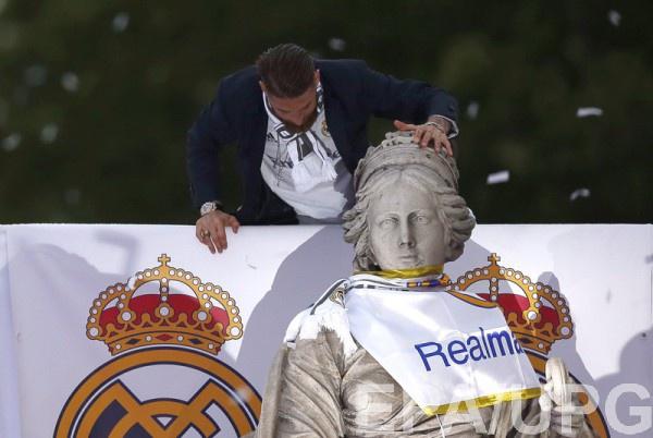 «Реал» уберёт крест сосвоей эмблемы из-за бизнеса в государствах Персидского залива