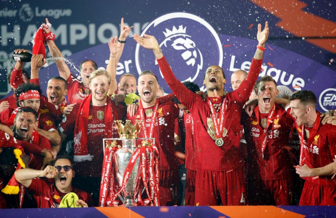 Ливерпуль празднует чемпионство