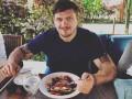 Усик рассказал, как варил борщ с Василием Ломаченко
