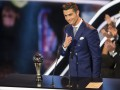 Роналду потроллил Барселону во время награждения Игрока года
