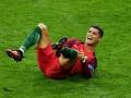 Золотой мальчик: Роналду показал бутсы, в которых будет забивать за Португалию